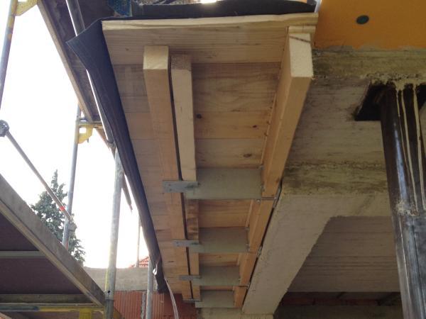 Dach über der Sitzecke