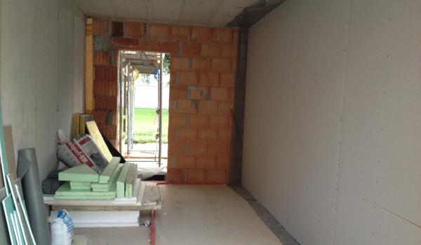 Garage mit Trockenbau-Aussenwand