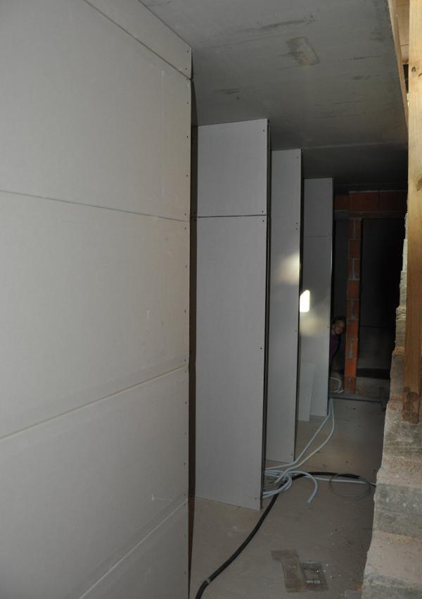 Stauraum-Nischen im Keller