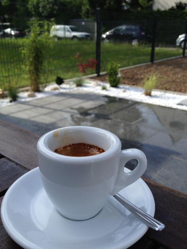 Espresso auf der Terrasse